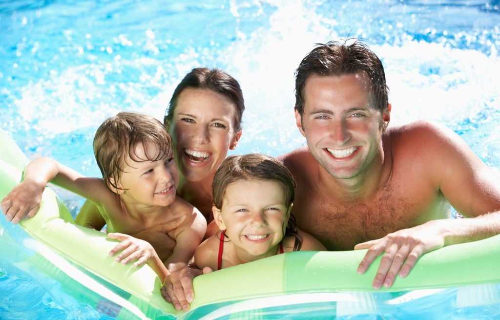 swimming pool family togetherness